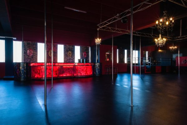 scuola pole dance gallarate